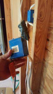 Handyman wiring at its best